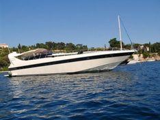 Яхта Mangusta 65