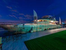 Яхта Надежда/Ferretti 72