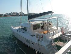 Яхта Lagoon 420