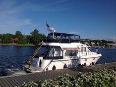Яхта Storebro Commander 410
